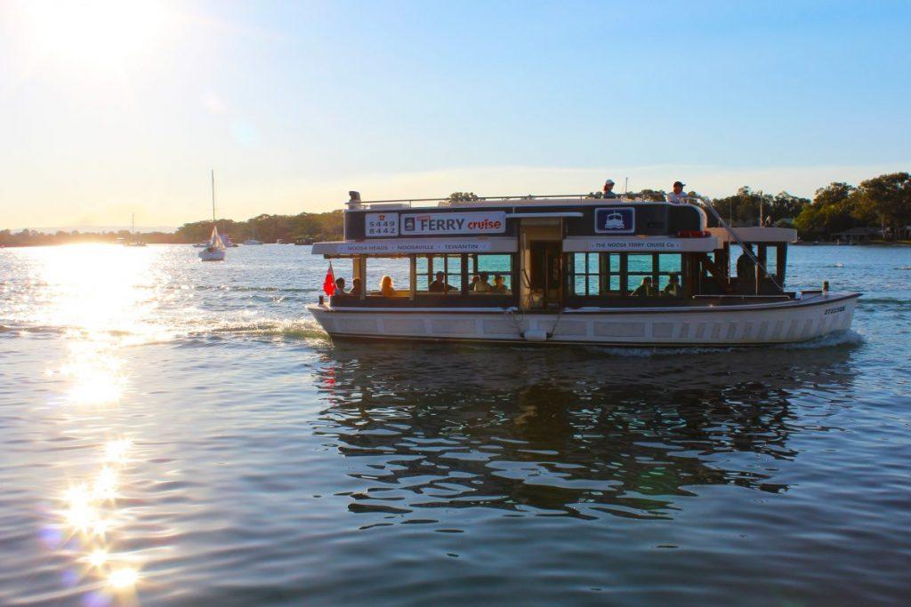 Noosa River cruises: Noosa Ferry cruise